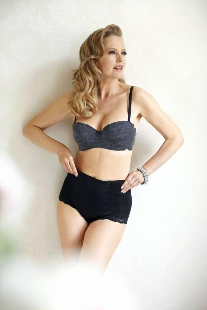 Model Carmen Q.