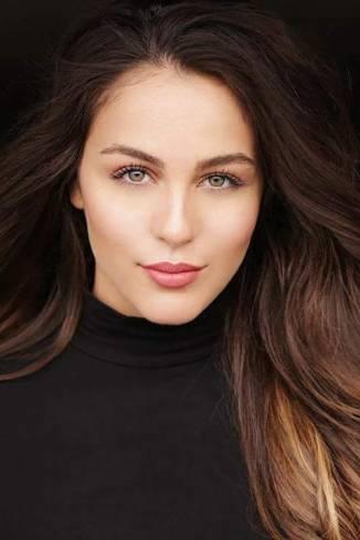 Model Mara W.