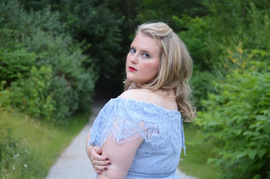 Model Lisa M.
