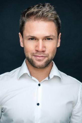 Moderator Tobias W.