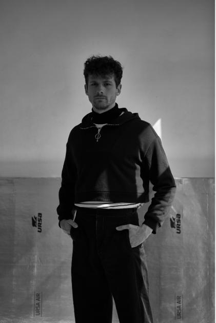 Model Luis L.