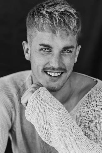 Model Michael H.