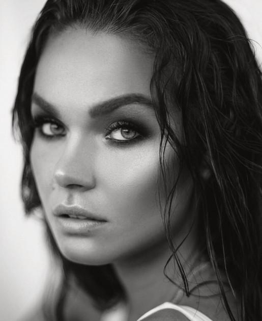 Model Lavinia R.