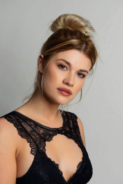 Model Shari P.