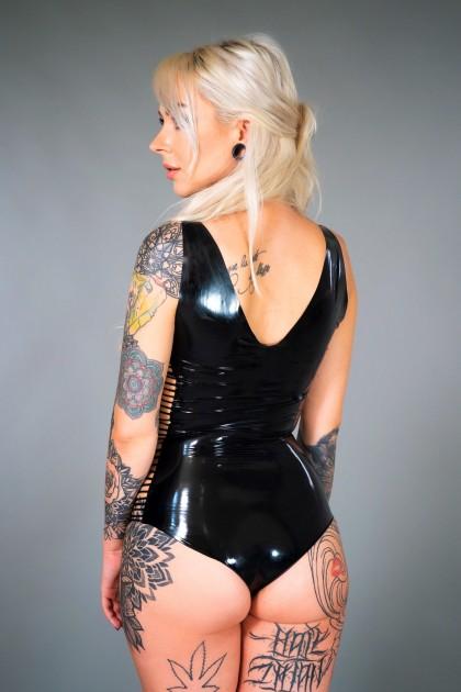 Model Lisa R.
