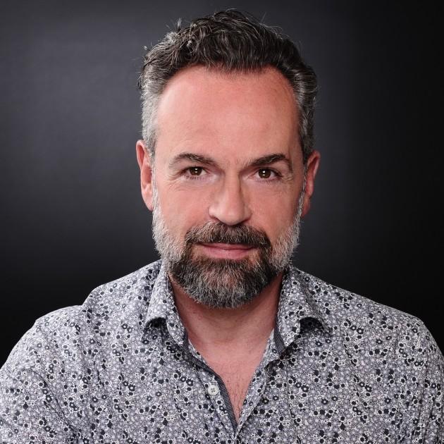 Model Michael R.