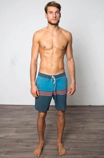 Model Henning V.
