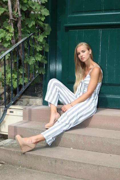Model Sarah G.