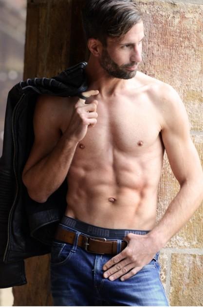 Model Niko G.