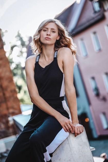 Model Celine S.