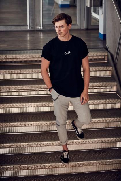 Model Niklas M.