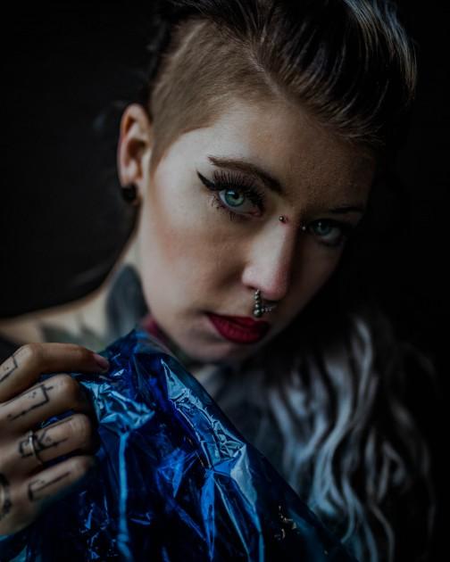 Model Nadine H.