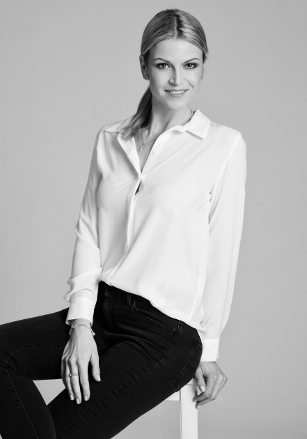 Model Monika F.