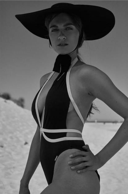 Model Evelyn H.