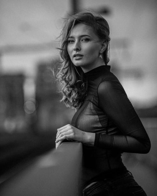 Model Lisa Marie D.