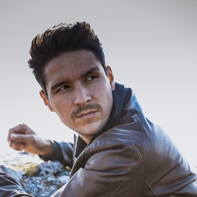 Model Aleksandar J.