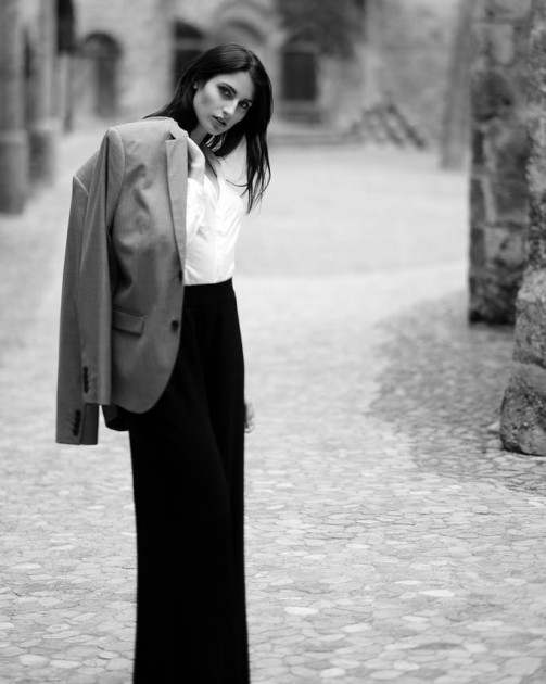 Model Miriam R.