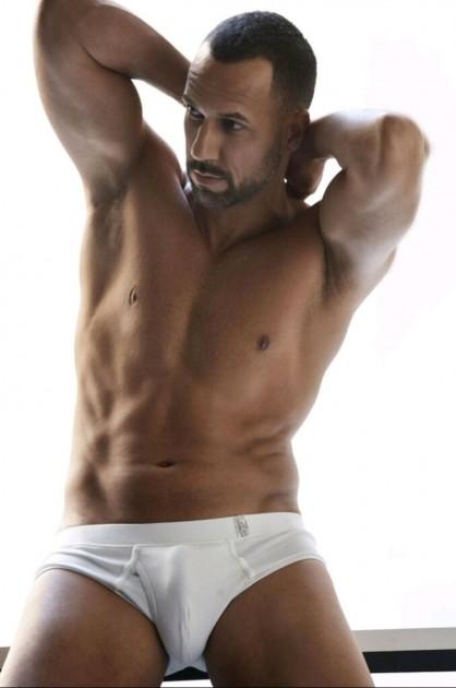 Model Nicky L.