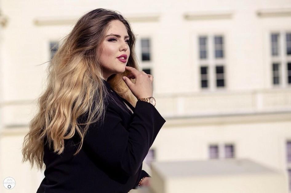 Model Angelina B.