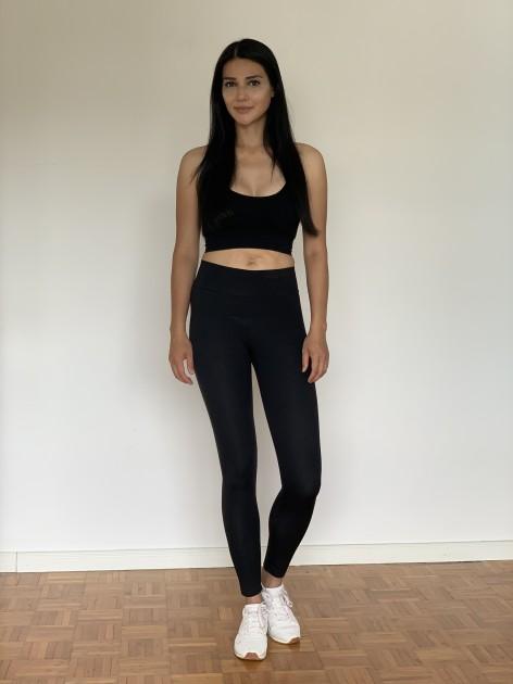 Model Lily F.