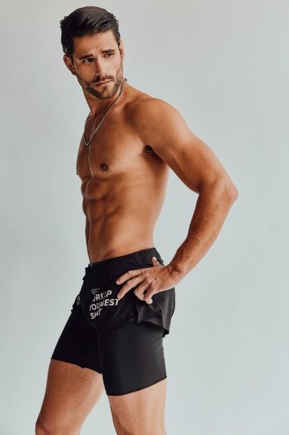 Model Yves-Len U.