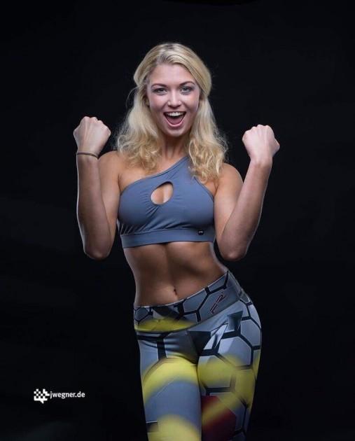 Model Kim W.