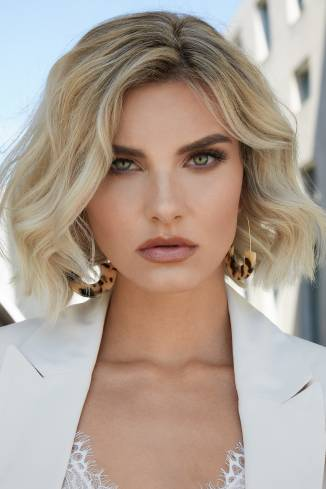 Model Mandy R.