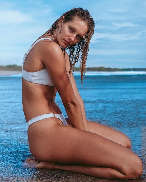 Model Saray S.