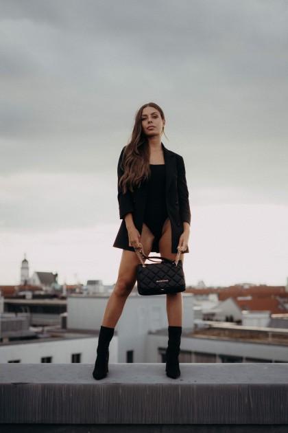 Model Selina Juana K.
