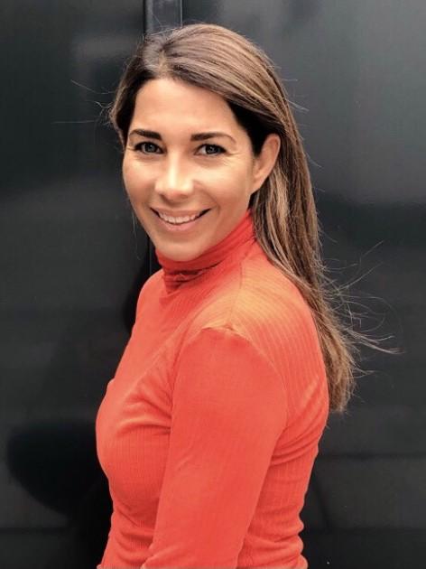 Model Leslie E.