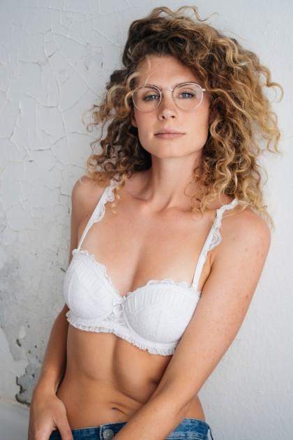 Model Astrid M.
