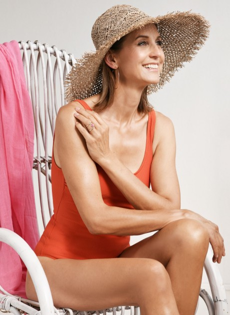 Model Barbara J.