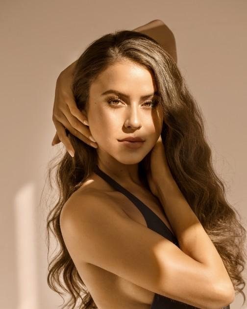 Model Laura Elvira A.