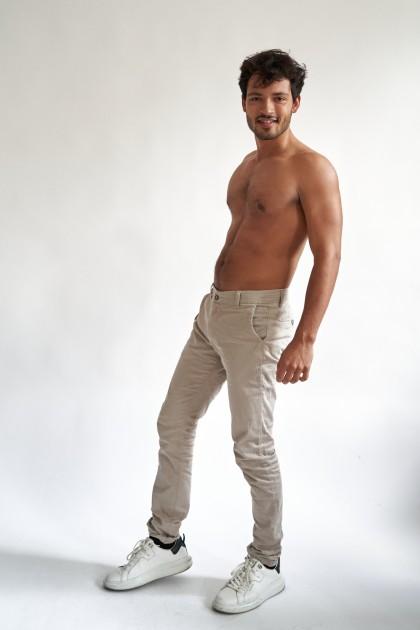 Model Daniel Mukunda W.