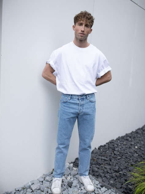 Model Manuel G.