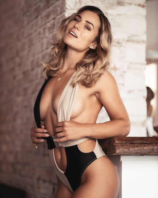 Model Viktoria F.
