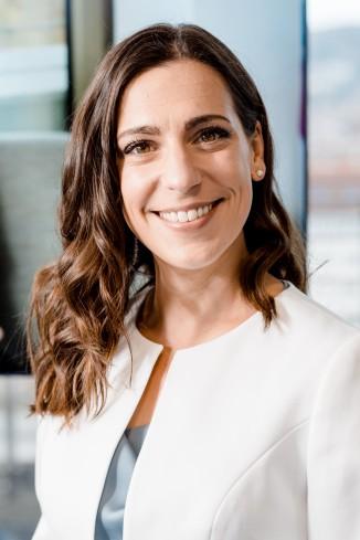 Moderator Carina J.