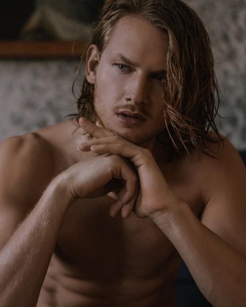 Model Felix R.