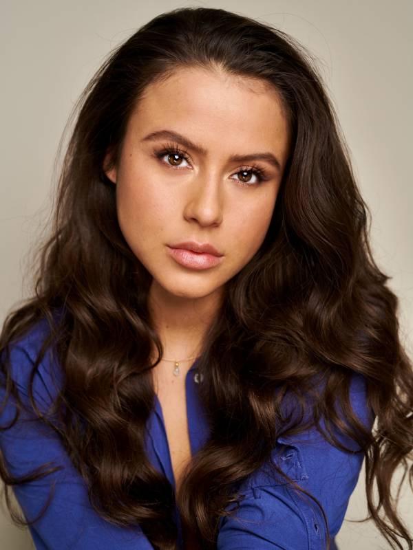 Laura Elvira A.