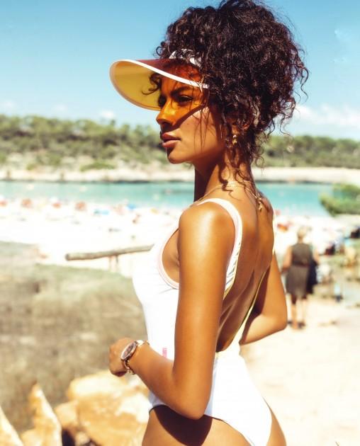 Model Deborah S.