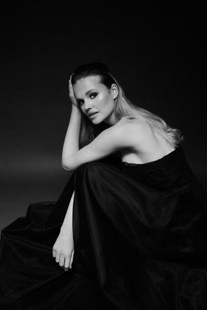 Model Tess J.