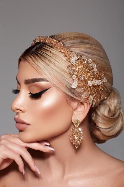 Model Dinara A.
