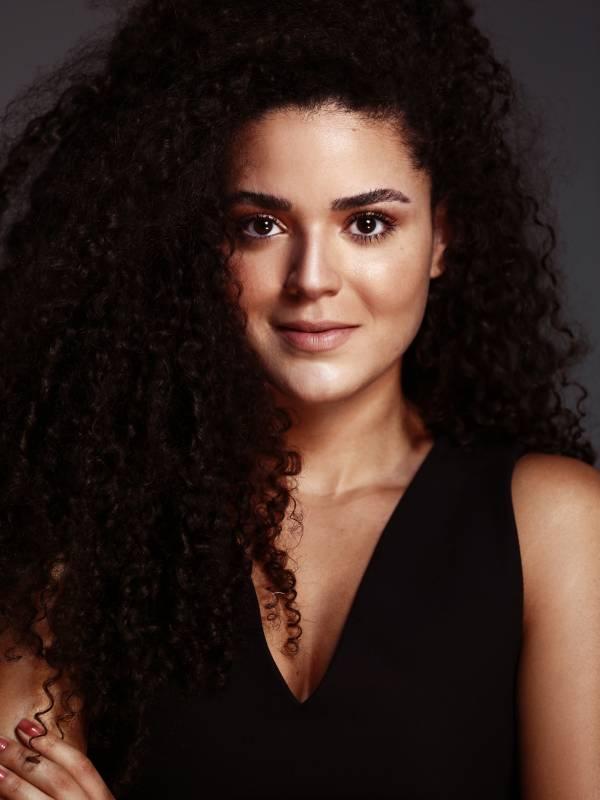 Gabriela W.