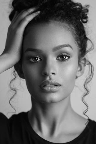 Model Alexandra Sage S.