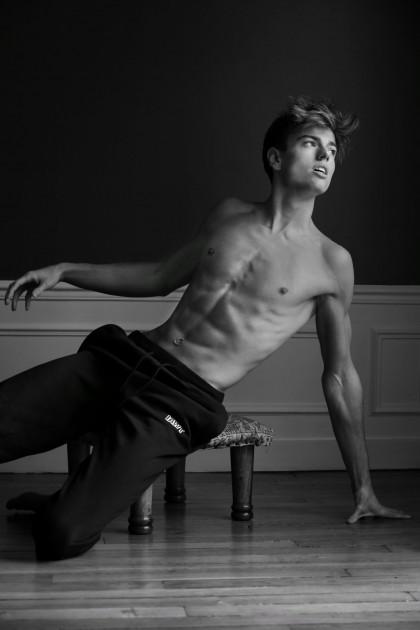 Model Léopold R.