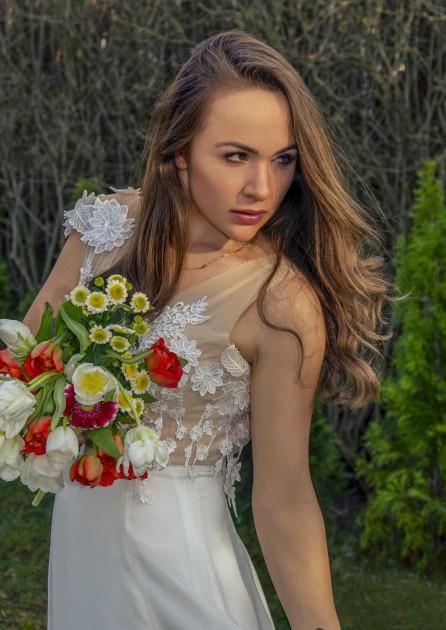 Model Julia G.