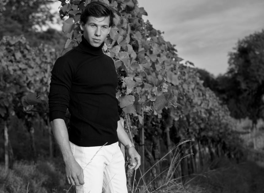 Model Joel M.