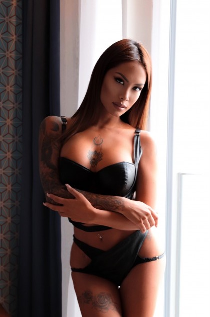 Model Amora D.