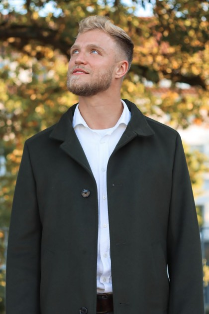 Model Lars R.
